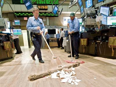 sweeping-trading-floor-ap