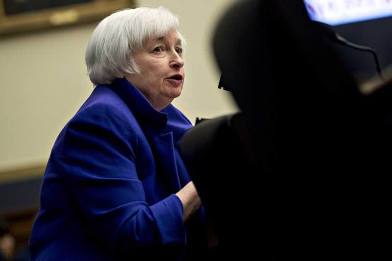Yellen Imitates Greenspan In Reversal Of Mid 1990s Rookie